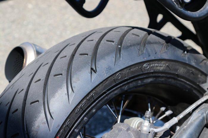 Kelebihan Dan Kekurangan Ban Lebar Gambot Pada Sepeda Motor
